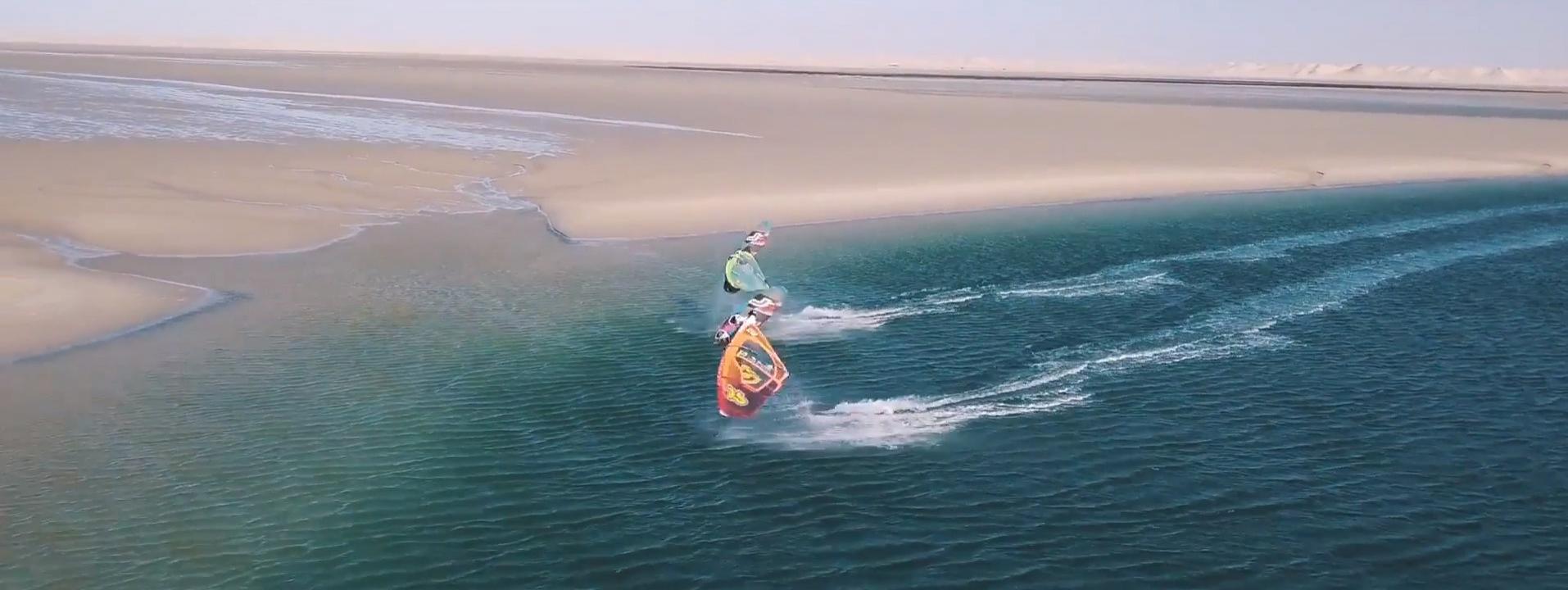 News Wind Vidéo windsurf : Julien Mas et Sam Esteve totalement synchro à Dakhla