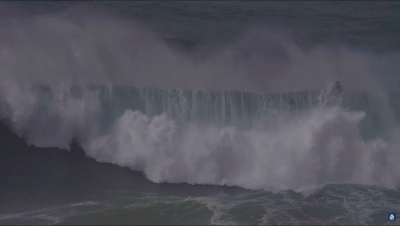 Surf XXL Wipeout à Nazaré : Fred David et Justine Dupont frôlent l'accident