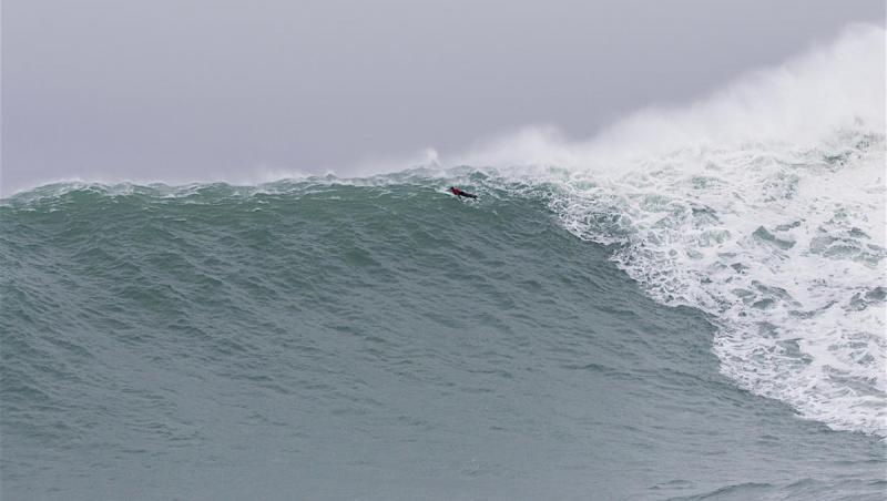 Surf XXL Accident à Mavericks : un bateau et jet ski coulés par une vague de 18m