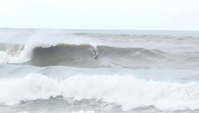 News Surf SAiSON : les (gros) surfs d'automne de Bruno Degert